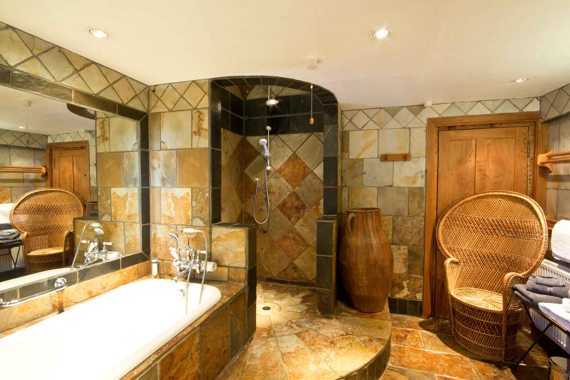 A luxury bathroom in Walnut self catering cottage, a treat after a day outdoors