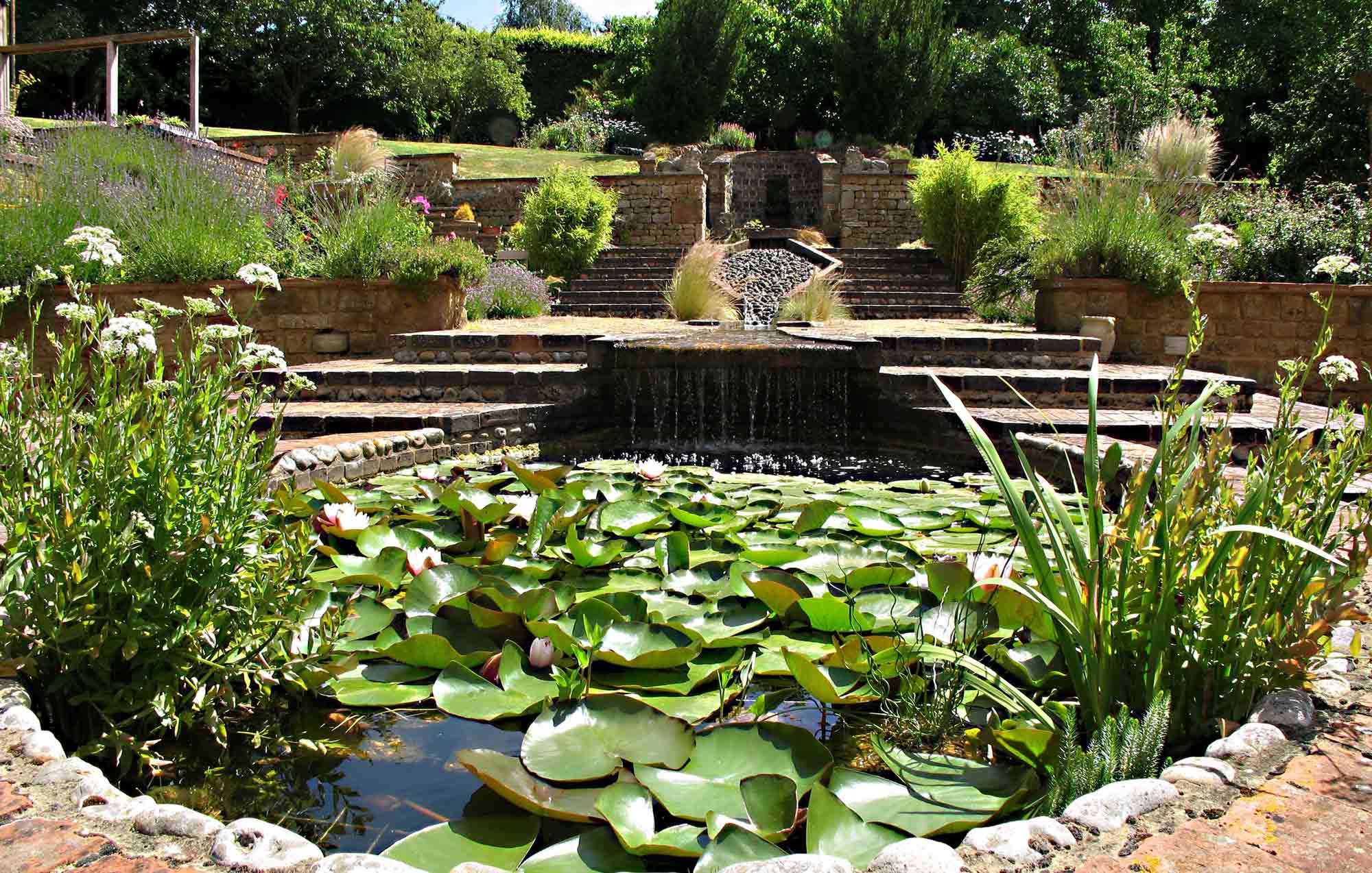 Water feature in coyrtyard