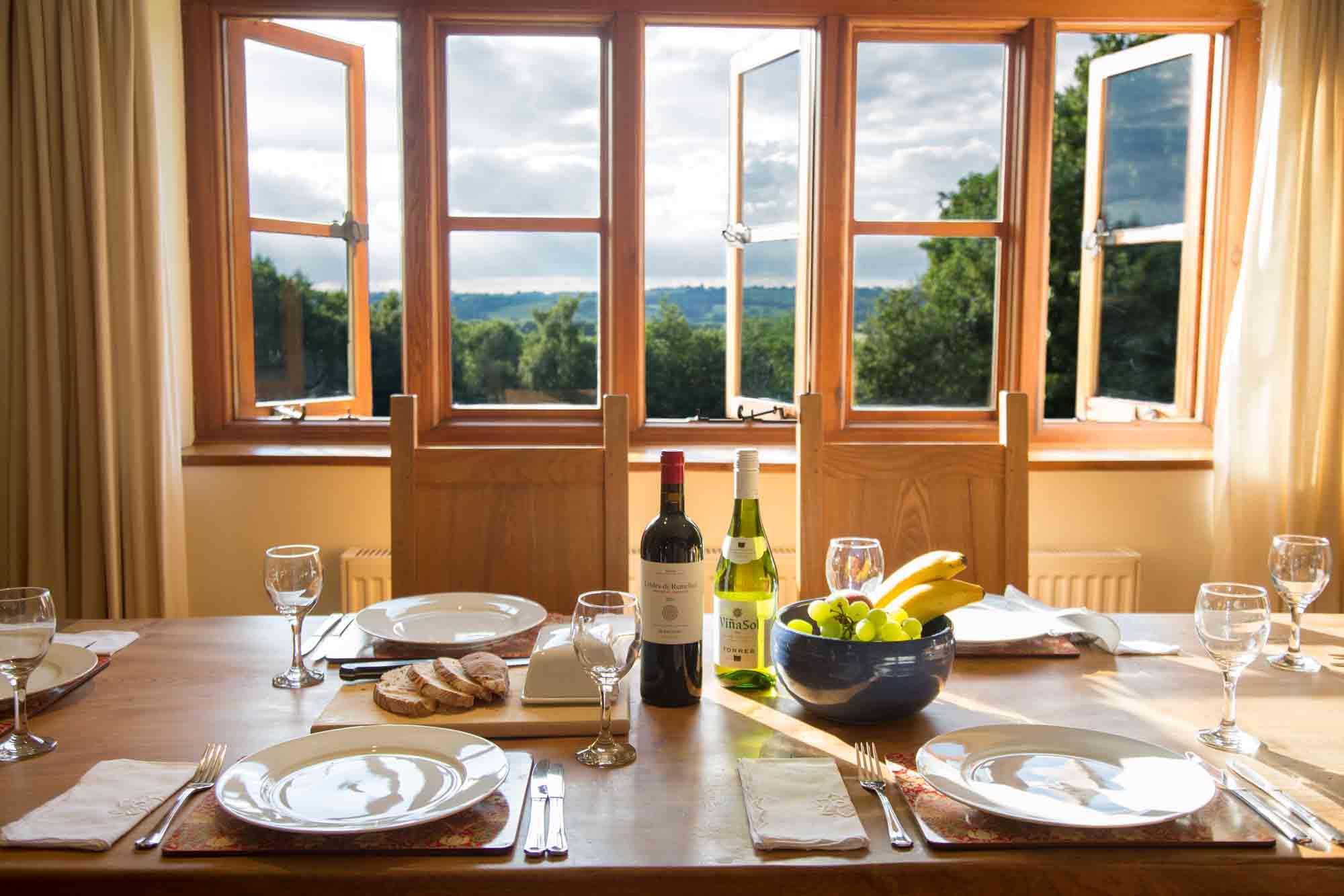 Cobnut - Heath Farm Cottages - Chipping Norton - Dining Table Views