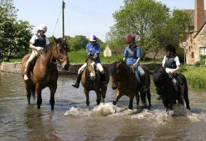 Bourton Vale Horseriding near Heath Farm Holiday Cottages